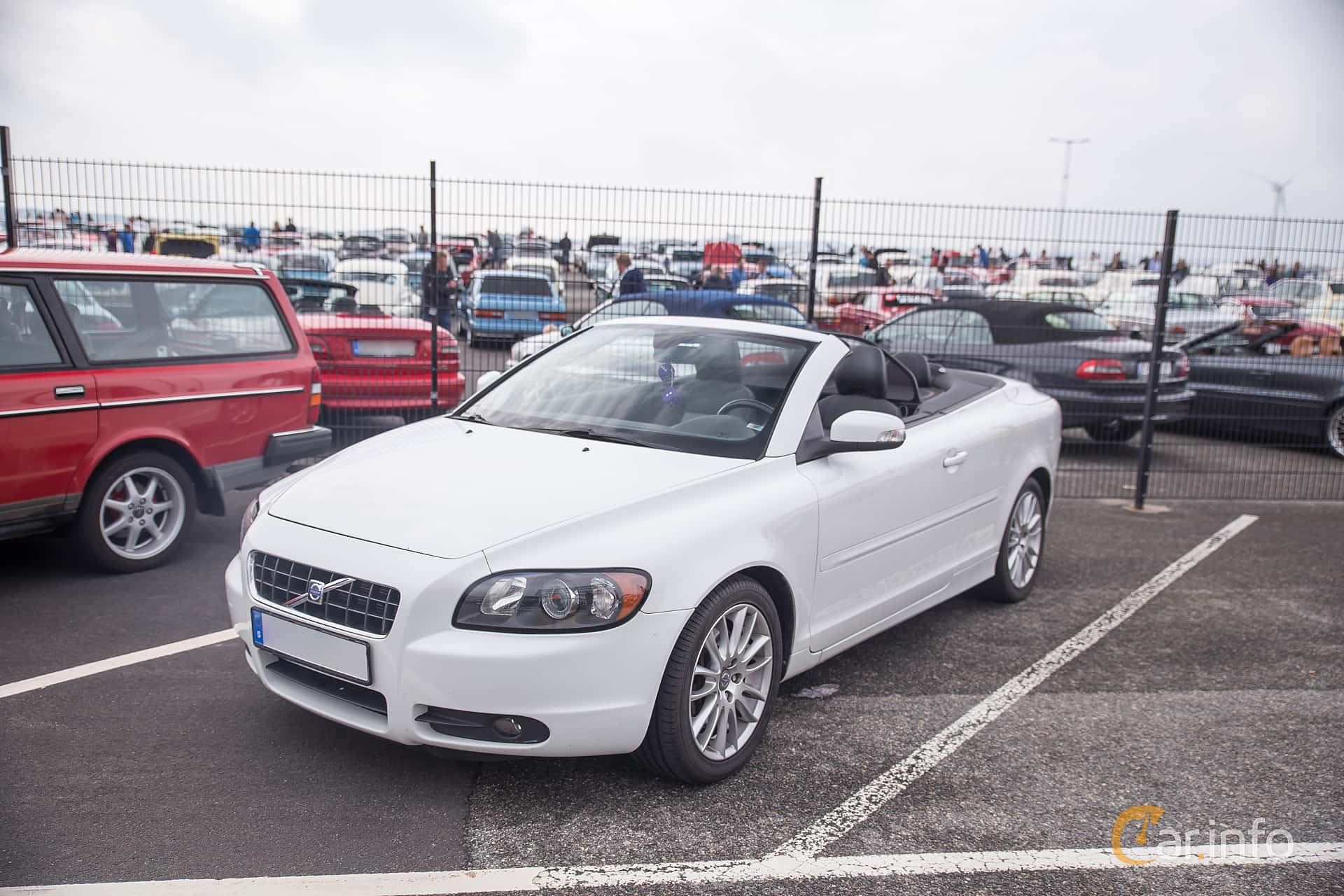Front/Side of Volvo C70 D5 Manual, 180ps, 2009 at Vrom - Volvo