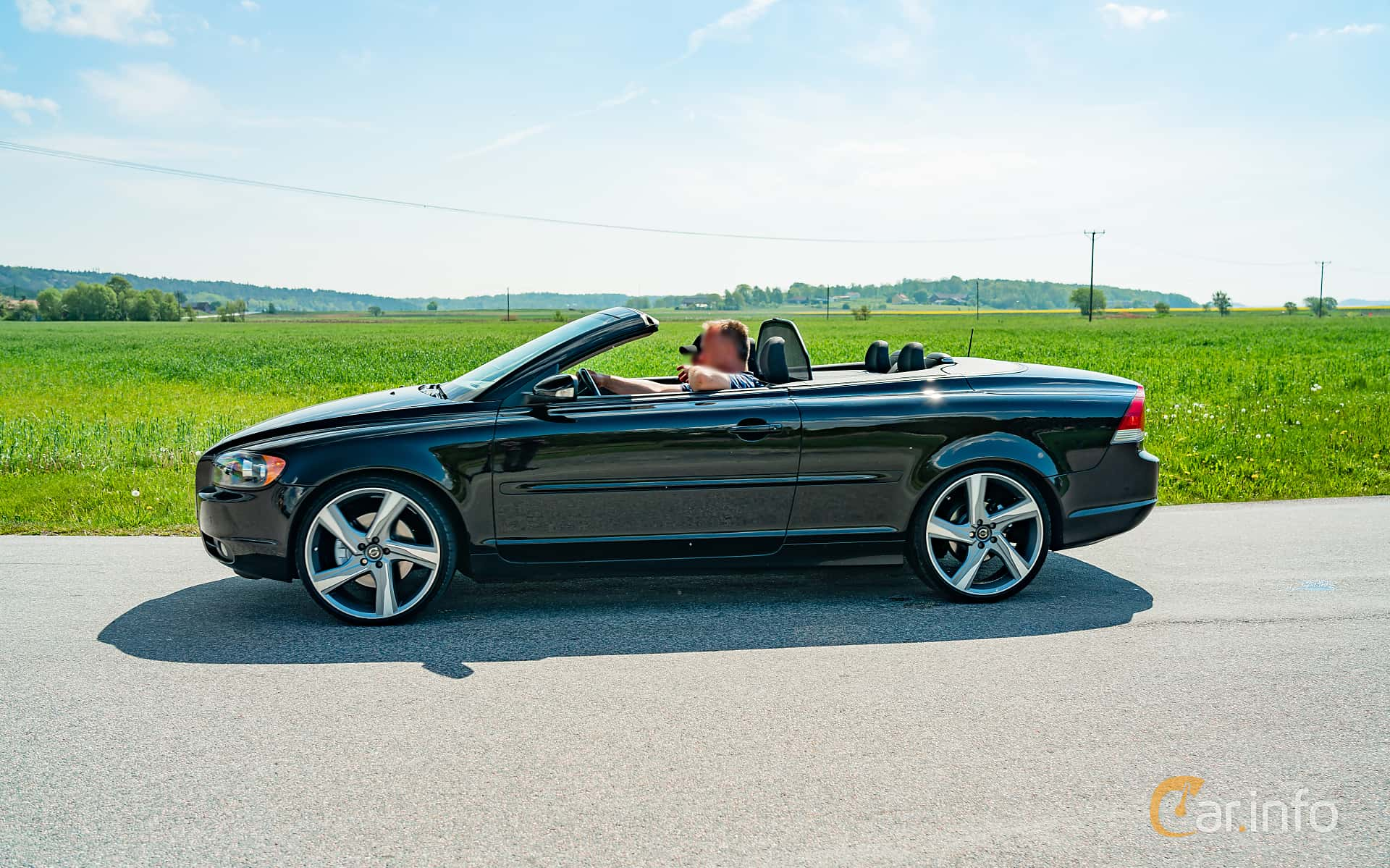2 Images Of Volvo C70 2 4 Automatic 170hp 2007 By Marcusliedholm