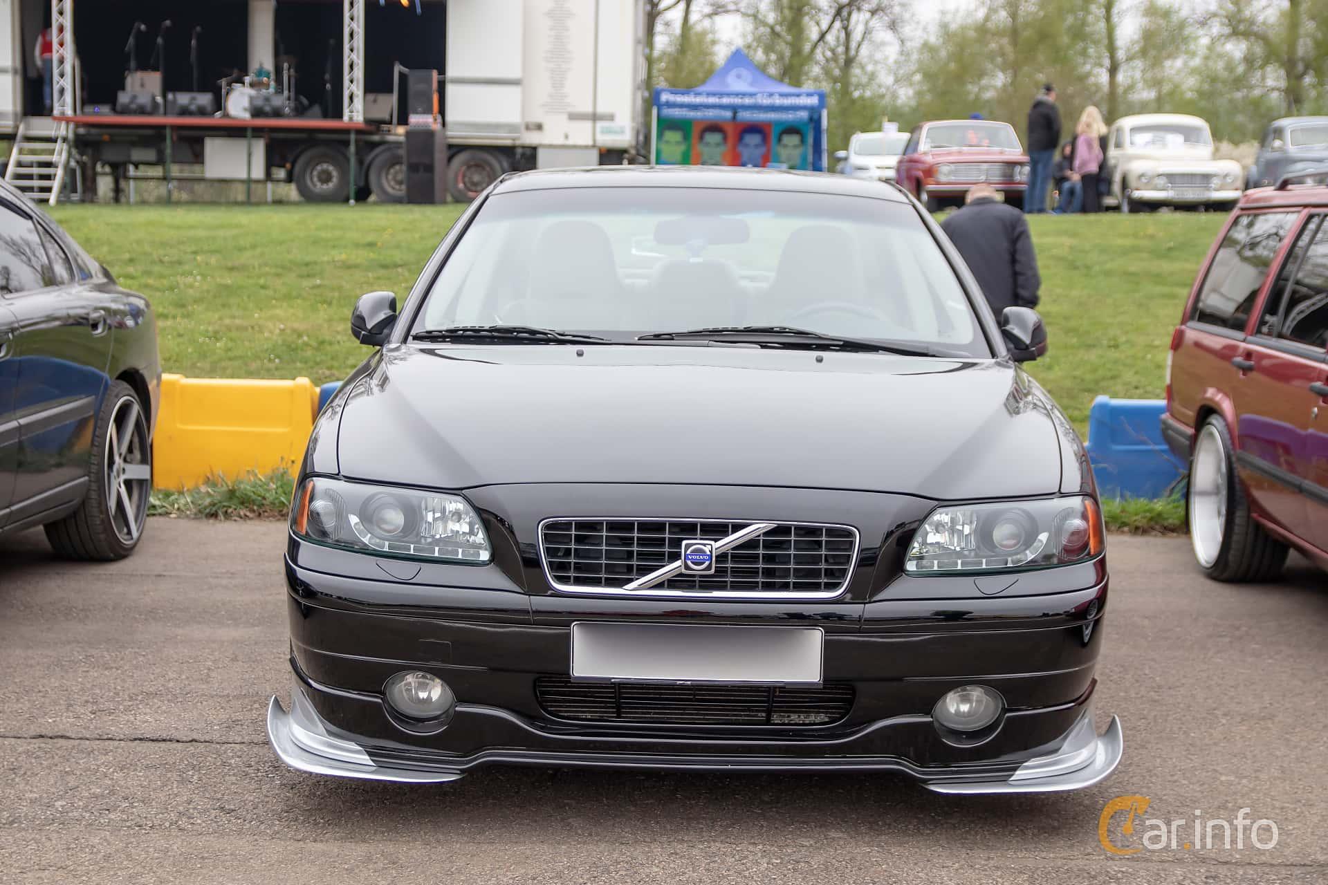 Volvo S60 2.4T Manual, 200hp, 2002 at Lucys motorfest 2019