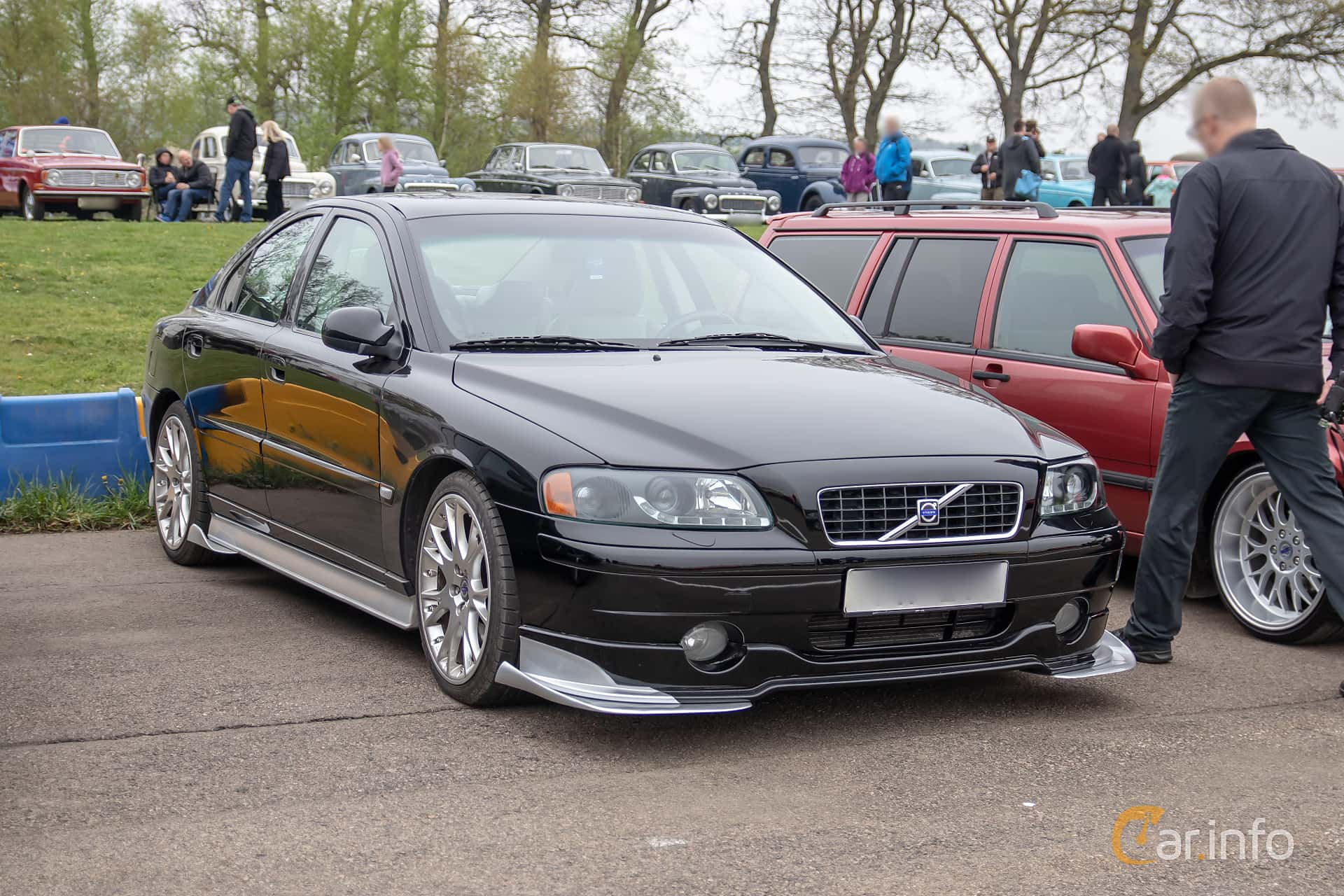 Front/Side  of Volvo S60 2.4T Manual, 200ps, 2002 at Lucys motorfest 2019
