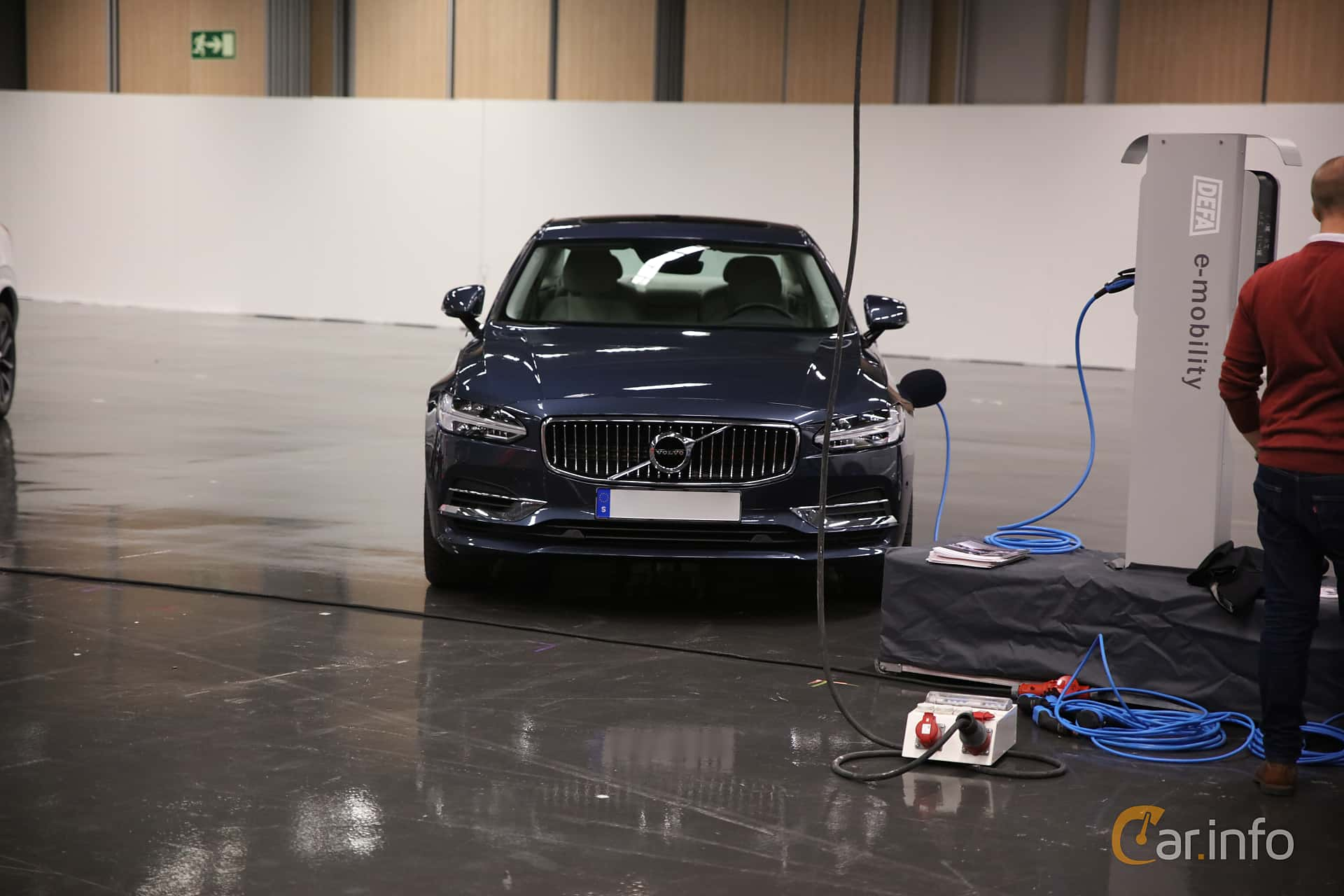 Front  of Volvo S90 T8 AWD Geartronic, 407ps, 2018 at eCar Expo Göteborg 2018