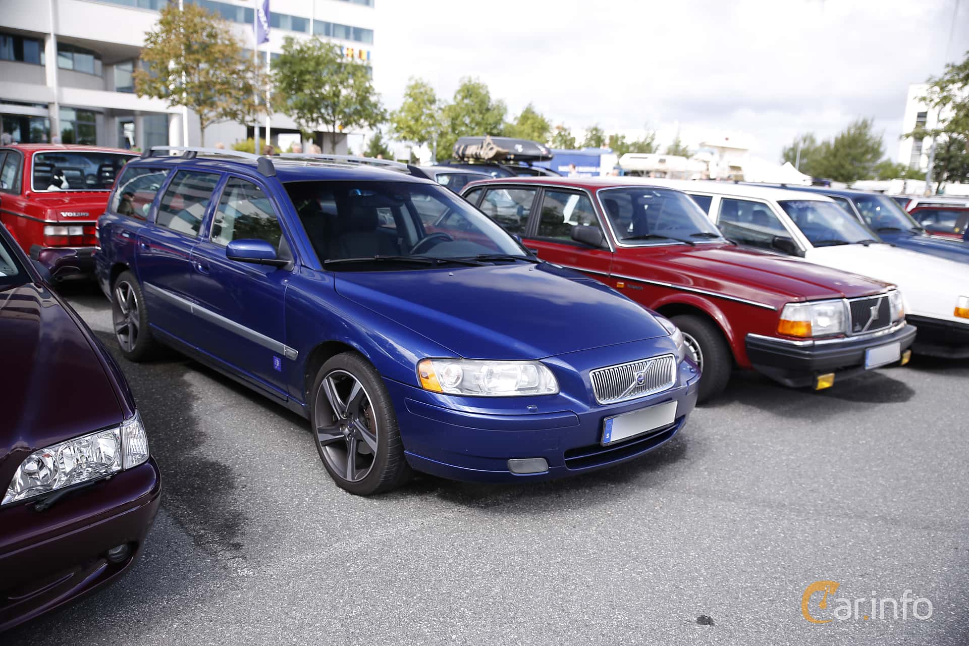Front/Side of Volvo V70 D5 Manual, 185ps, 2006 at Vrom - Volvo