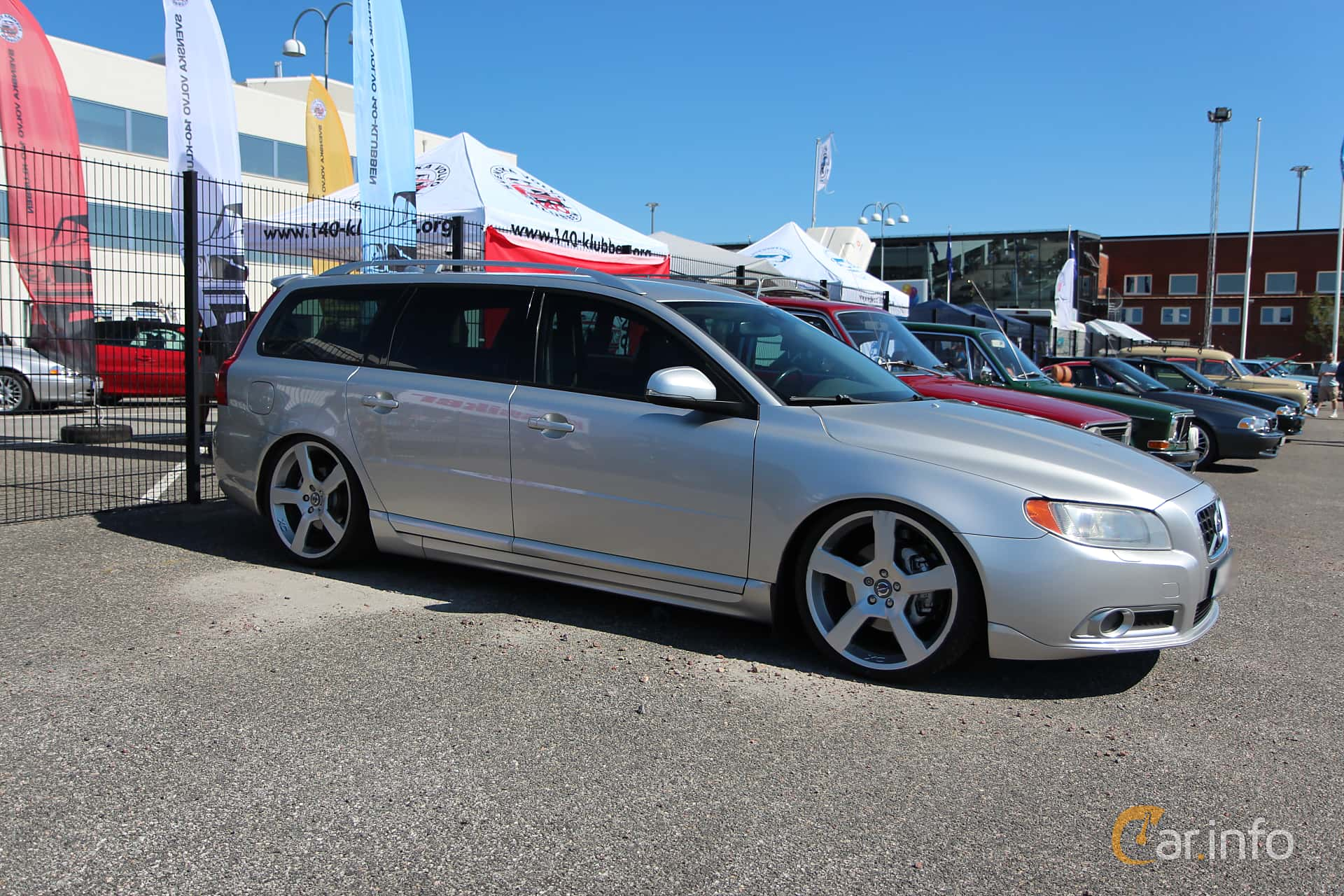 Side of Volvo V70 D5 Manual, 185ps, 2008 at Vrom - Volvo Rendezvous &