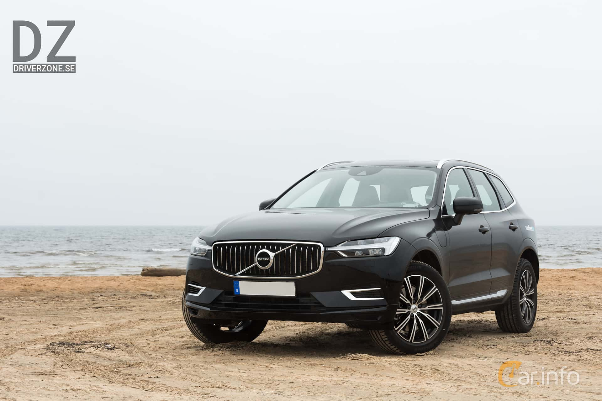 Front/Side  of Volvo XC60 T8 AWD Geartronic, 408ps, 2018