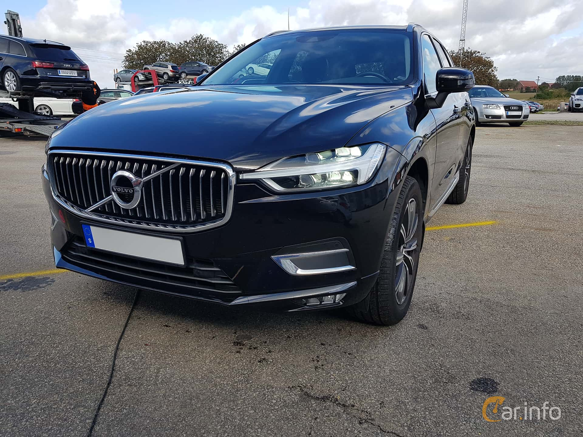Front/Side  of Volvo XC60 T5 AWD Geartronic, 250ps, 2018