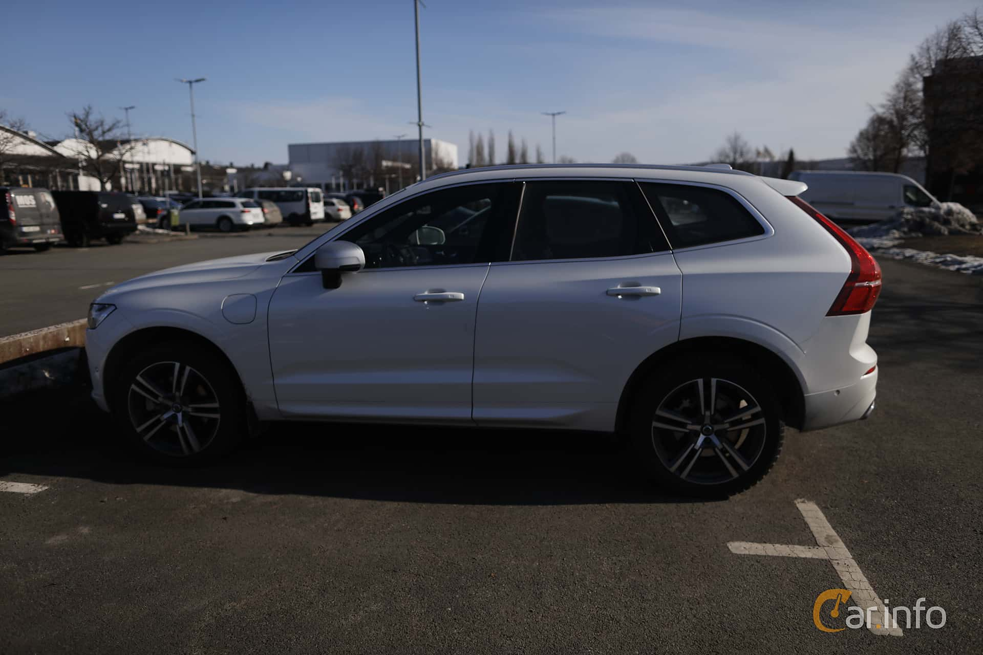 Side  of Volvo XC60 T8 AWD Geartronic, 408ps, 2018