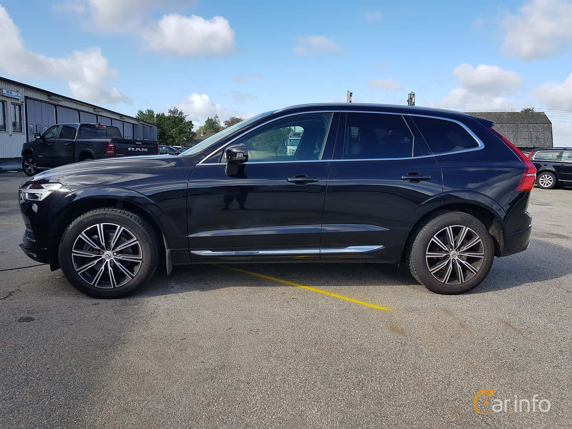 Side  of Volvo XC60 T5 AWD Geartronic, 250ps, 2018