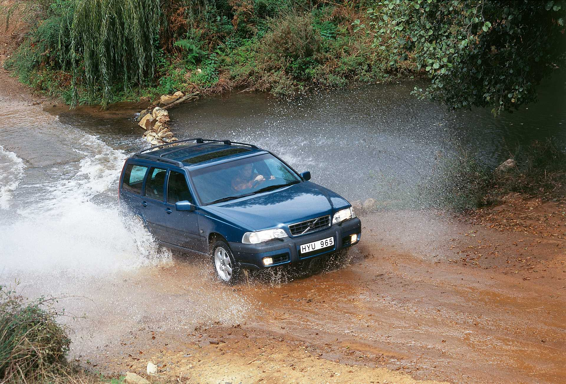 Volvo Xc Front Side on 2000 Volvo Xc70 Awd