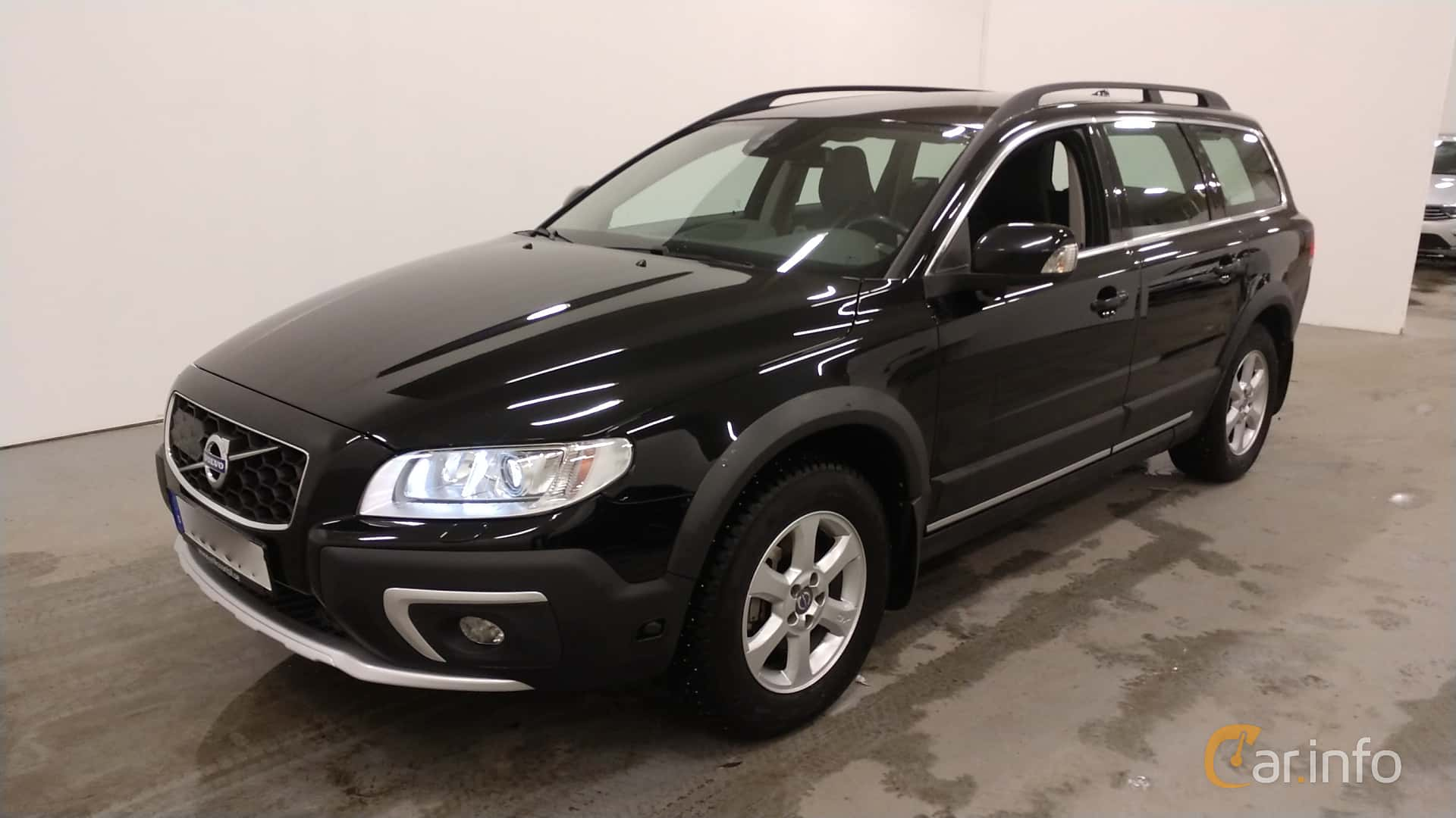 Front/Side  of Volvo XC70 D4 AWD Geartronic, 181ps, 2015