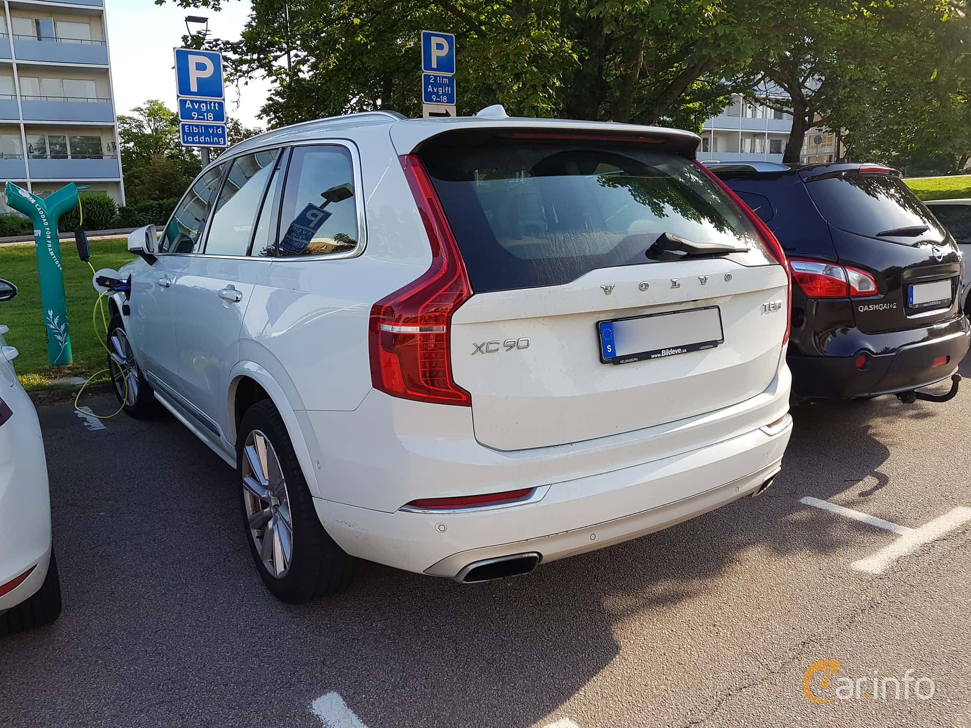 Back/Side of Volvo XC90 2.0 T8 AWD Geartronic, 407ps, 2016