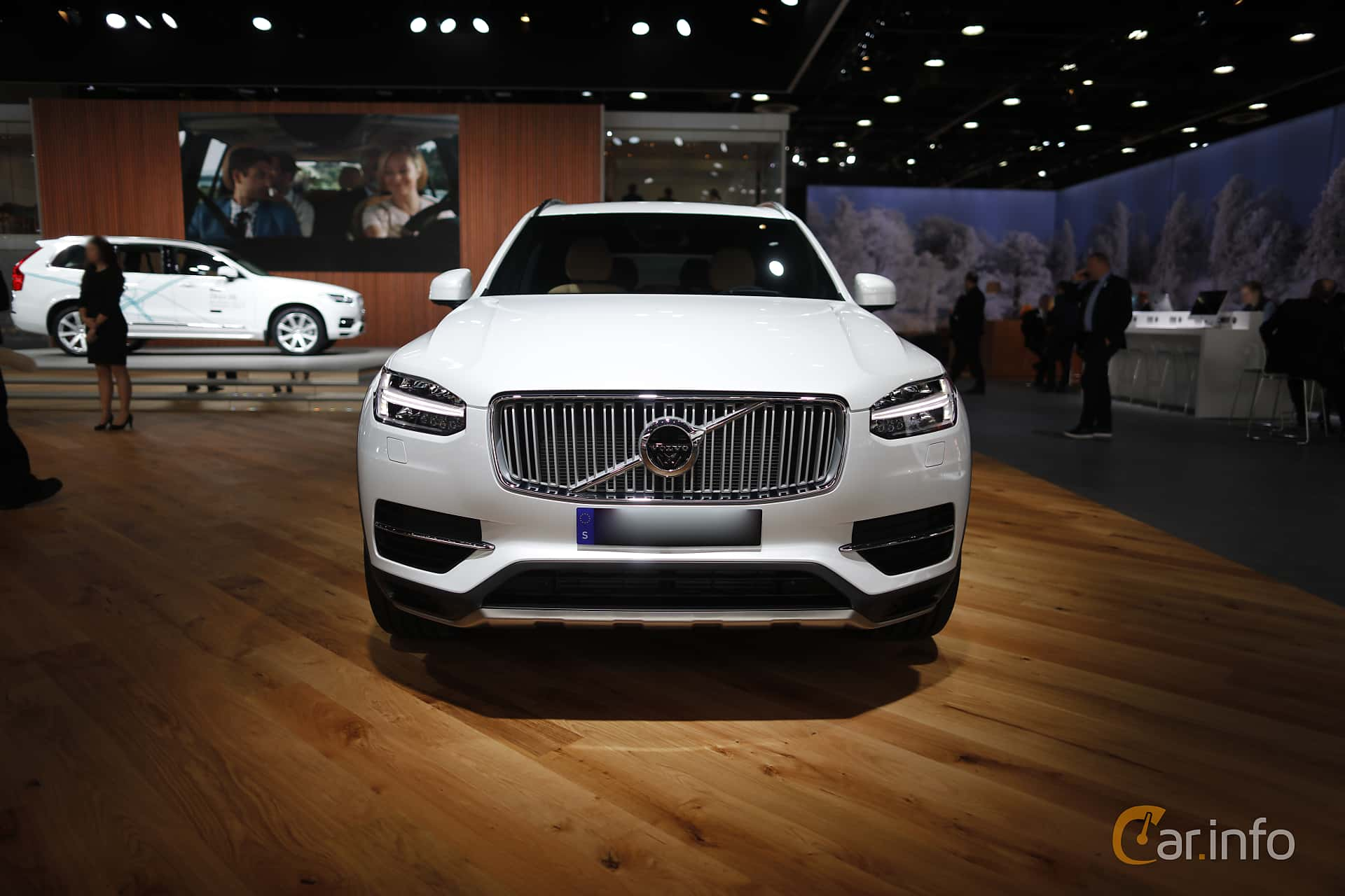 Front  of Volvo XC90 T8 AWD Geartronic, 407ps, 2017 at North American International Auto Show 2017