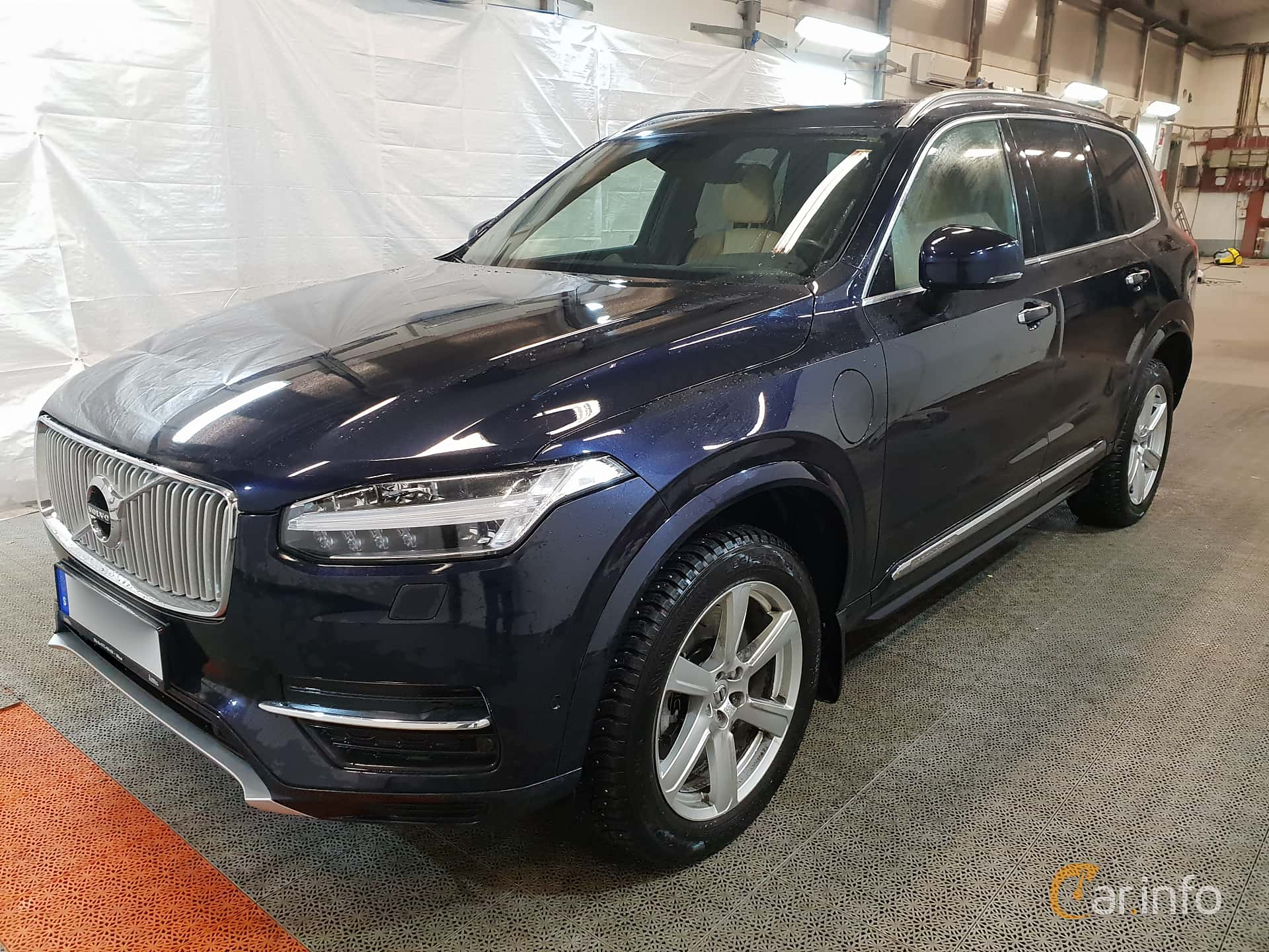 Front/Side  of Volvo XC90 T8 AWD Geartronic, 407ps, 2017