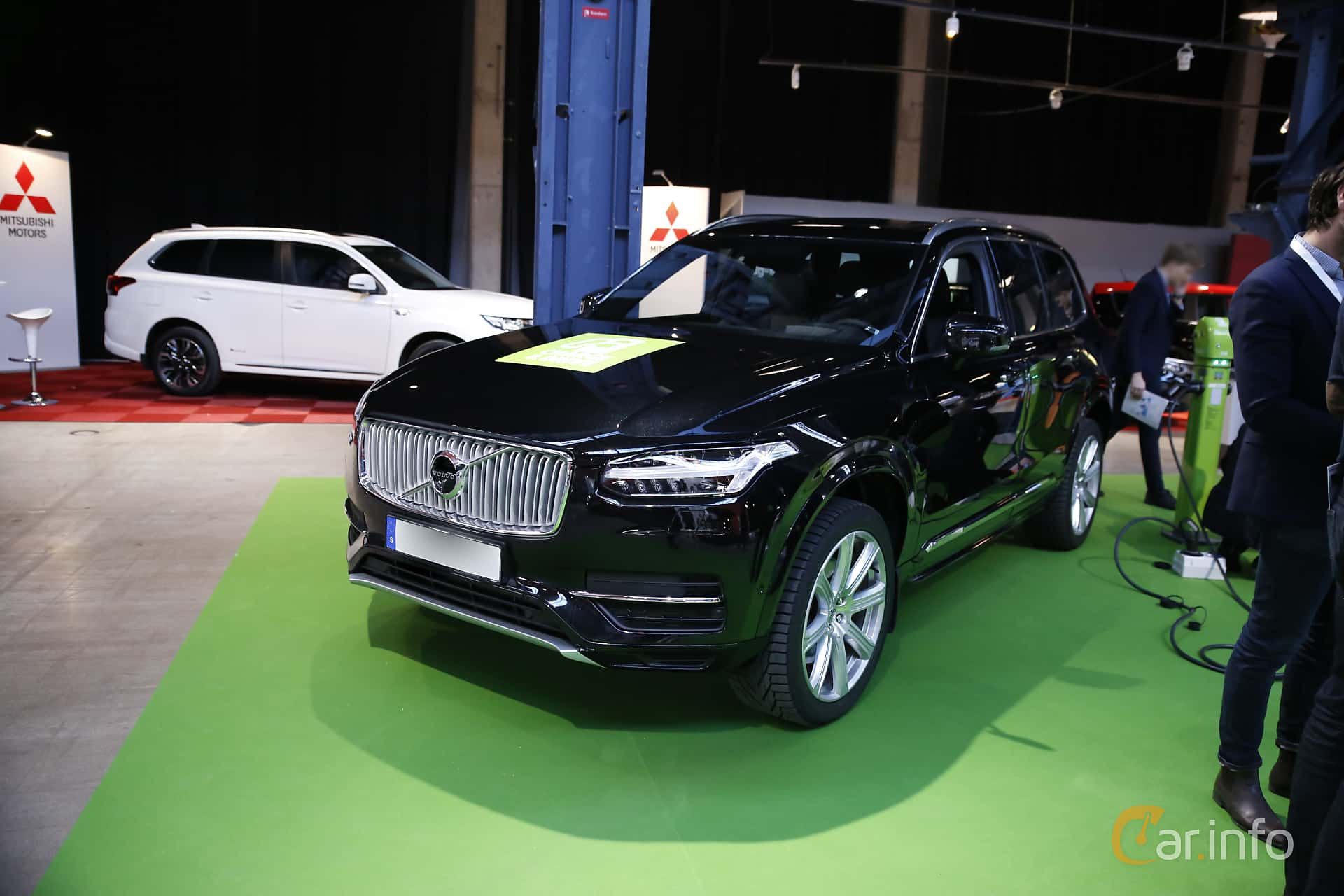Front/Side  of Volvo XC90 T8 AWD Geartronic, 407ps, 2017 at eCar Expo Göteborg 2016