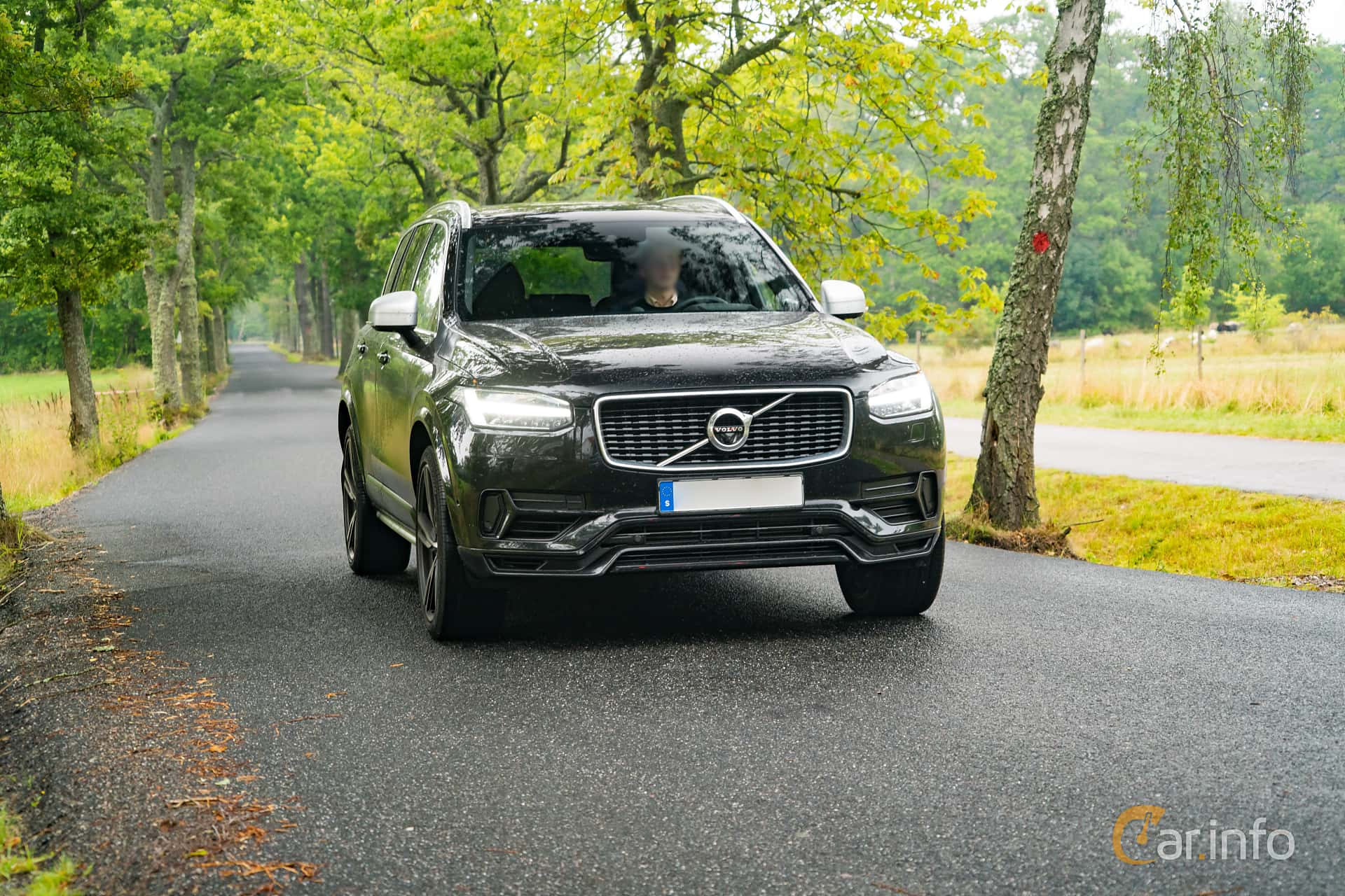 Front/Side  of Volvo XC90 T8 AWD Geartronic, 407ps, 2017 at Sportbilsdagen i Västervik 2016