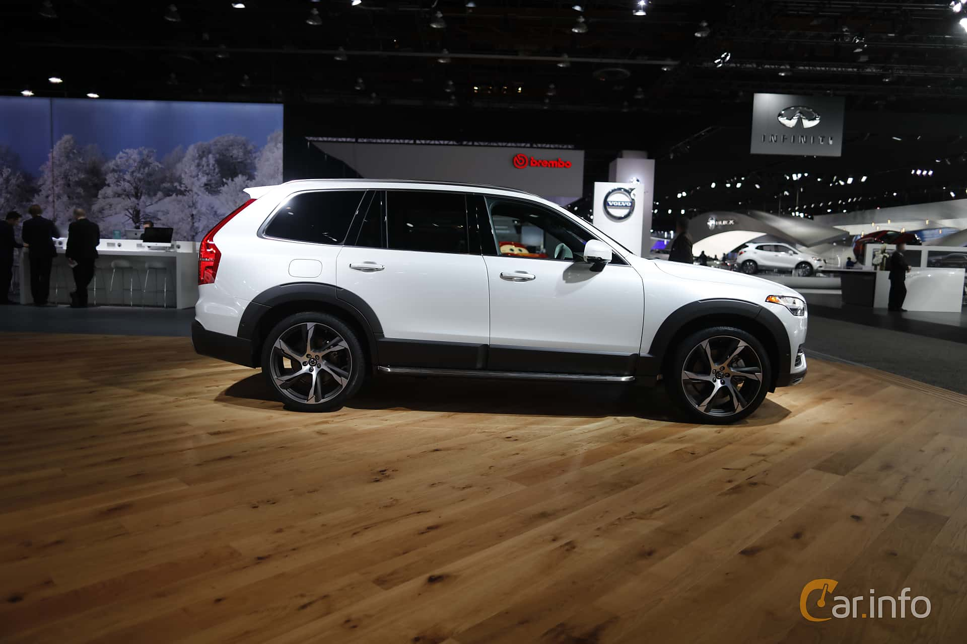 Side  of Volvo XC90 T8 AWD Geartronic, 407ps, 2017 at North American International Auto Show 2017
