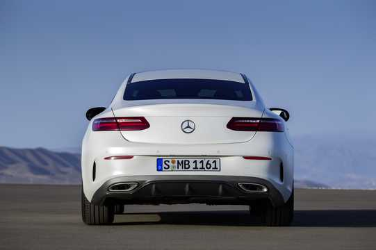Bak av Mercedes-Benz E-Klass Coupé 2018