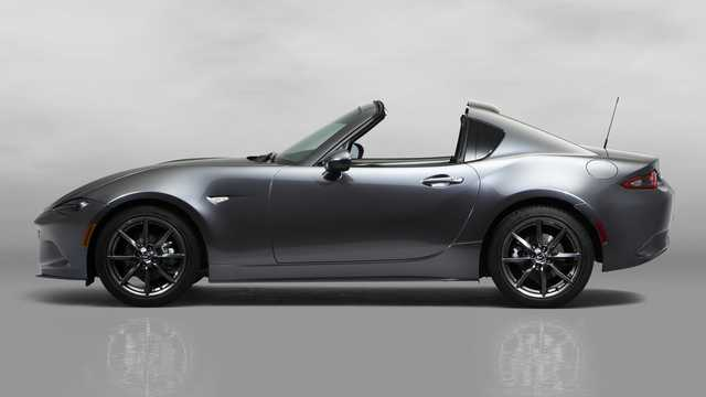 Side  of Mazda MX-5 RF 2017