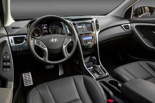 Interior of Hyundai Elantra GT 2016