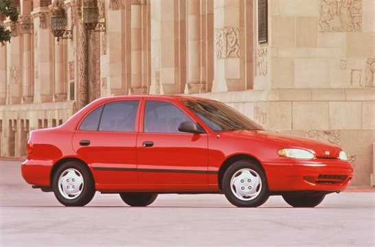 Front/Side  of Hyundai Accent Sedan 1997