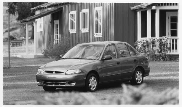 Front/Side  of Hyundai Accent Sedan 1998