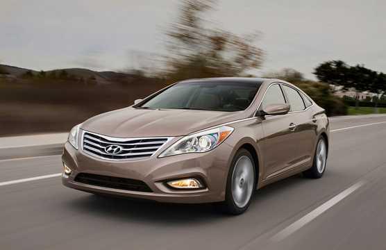 Front/Side  of Hyundai Grandeur 2012