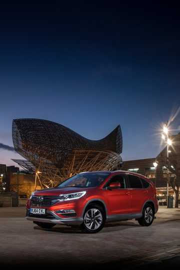 Front/Side  of Honda CR-V 1.6 i-DTEC Manual, 6-speed, 120hp, 88kW, 2015
