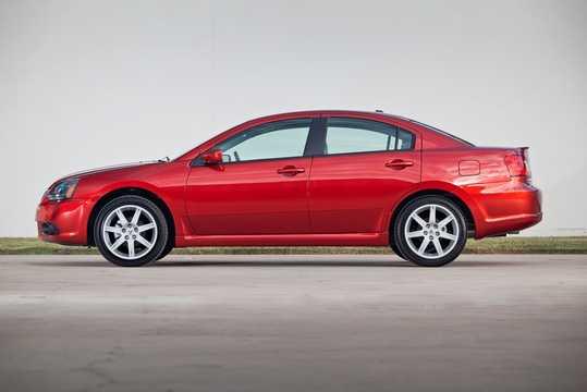 Sida av Mitsubishi Galant 2010