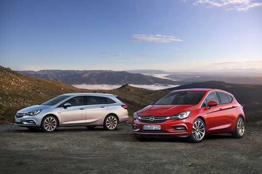 Front/Side  of Opel Astra Sports Tourer 2016