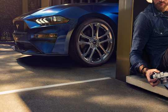 Fram/Sida av Ford Mustang GT 5.0 V8 Manuell, 459hk, 2018
