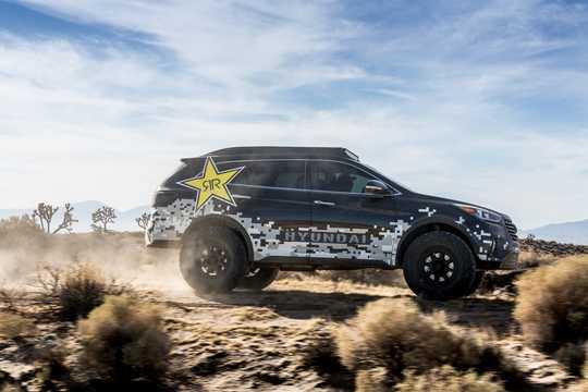 Side  of Hyundai Rockstar Santa Fe 3.3 GDi 4WD Concept, 294hp, 2016