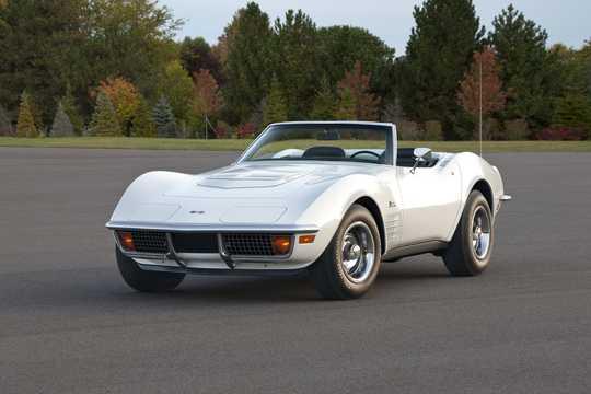 Front/Side  of Chevrolet Corvette Stingray Convertible 1972