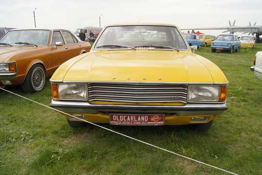 Fram av Ford Granada 4-door Sedan 2.3 V6 Automatisk, 108hk, 1972