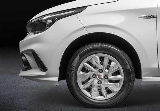 Close-up of Fiat Argo 1.0 E85 Manual, 75hp, 2017