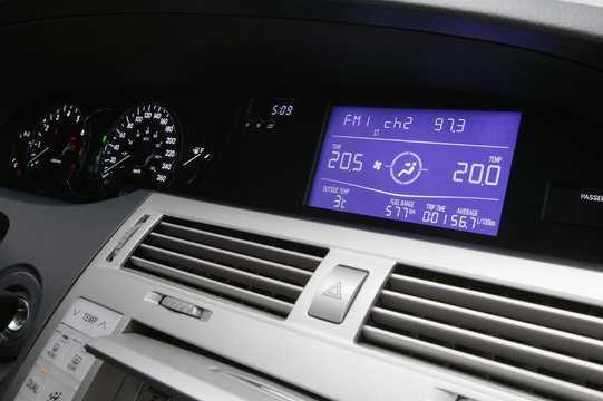 Toyota avalon generation gsx30 35 v6 interior of toyota avalon 35 v6 automatic 272hp 2006 fandeluxe Gallery