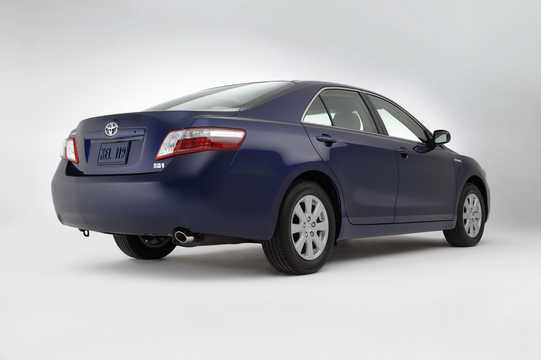 Back/Side of Toyota Camry Hybrid 2.4 ECVT, 187hp, 2009