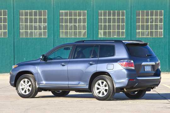 Back/Side of Toyota Highlander 3.5 V6 Hybrid AWD Automatic, 248hp, 2011