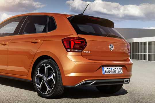 Close-up of Volkswagen Polo 5-door 2018