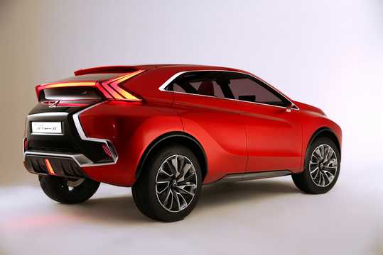 Back/Side of Mitsubishi XR-PHEV II Concept Concept, 2015