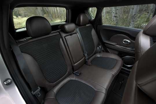 Interiör av Kia Trail'ster 1.6 + 1.2 kWh AWD Automatisk, 223hk, 2015