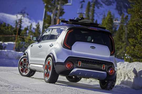 Bak/Sida av Kia Trail'ster 1.6 + 1.2 kWh AWD Automatisk, 223hk, 2015