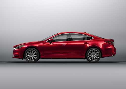 Side  of Mazda 6 Sedan 2018