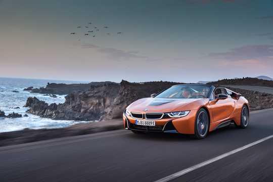 Fram/Sida av BMW i8 Roadster 1.5 + 11.6 kWh Steptronic, 374hk, 2018