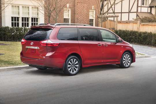 Back/Side of Toyota Sienna 3.5 V6 AWD Automatic, 301hp, 2018