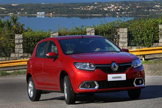 Front/Side  of Renault Sandero 2013