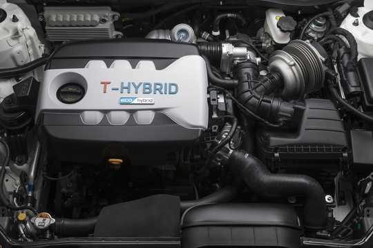 Engine compartment  of Kia Optima T-Hybrid 1.7 CRDi T-Hybrid DCT, 170hp, 2014