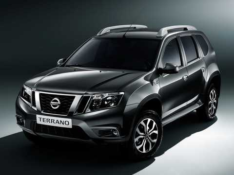Front/Side  of Nissan Terrano 5-door 2013