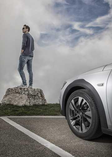 Närbild av Opel Insignia Country Tourer 2017