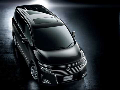 Front/Side  of Nissan Elgrand 2011