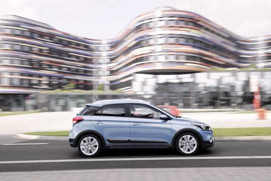 Sida av Hyundai i20 Active 1.4 CRDi Manuell, 90hk, 2015