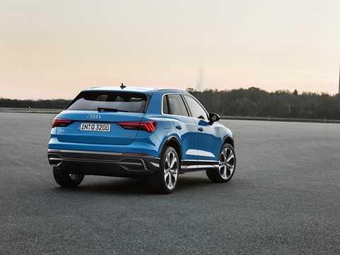 Back/Side of Audi Q3 2019